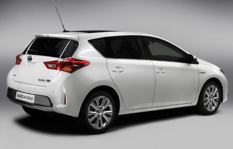 Toyota Auris Hybrid r3q