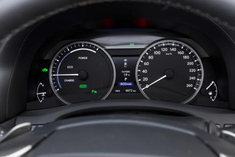 GS450h cluster